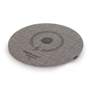 PowerPeak Aluminum 15W MagCharge wireless Fast Charging Wireless Pad - Fast Charger Adapter Included